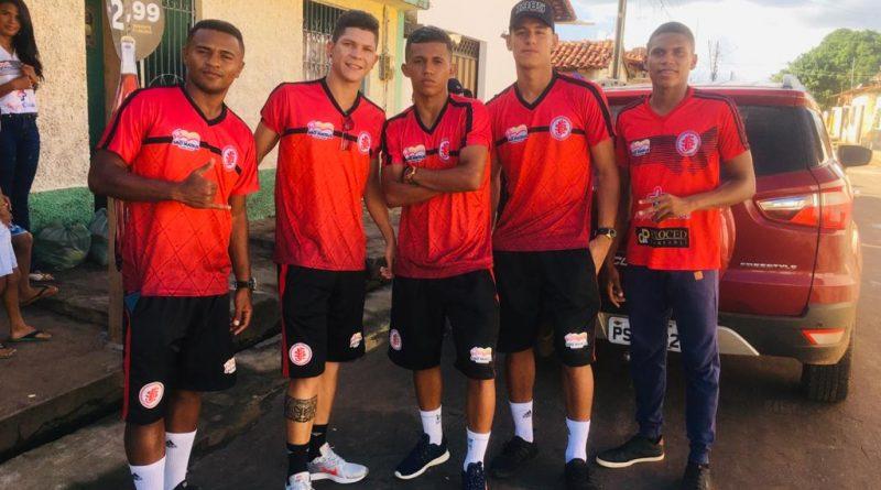 Jogadores do Juventude participam de Ação Social