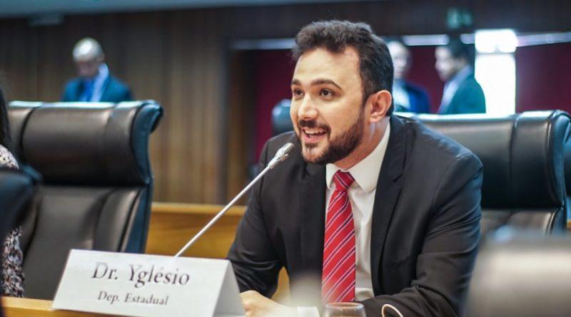 Yglésio cria projeto de lei que pune responsáveis por crimes de racismo e homofobia em estádios de futebol