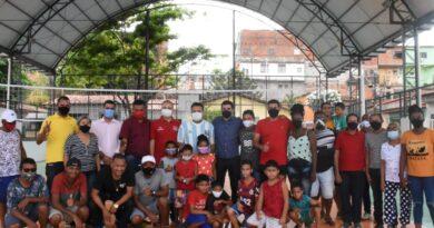Governo inaugura quadra poliesportiva no Bairro Túnel do Sacavém