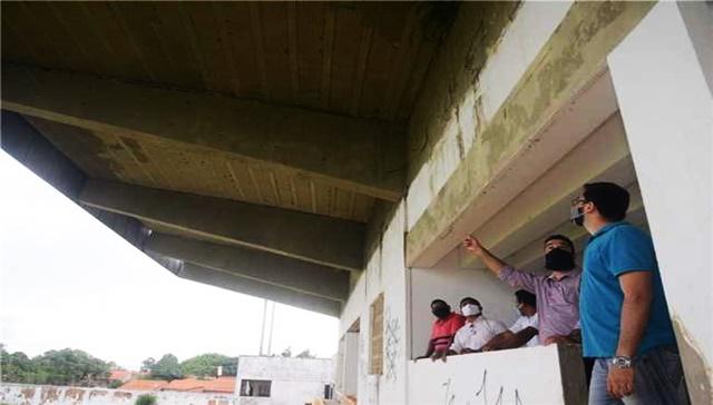 Prefeitura de São José de Ribamar faz vistoria e projeta reforma do Estádio Dário Santos