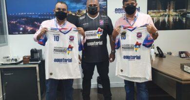 Técnico do time do Balsas Futsal, Hallison Dias, visitou o presidente da Equatorial Maranhão.